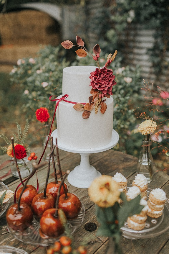 Autumnal wedding cake inspiration by White Rose Cake Design