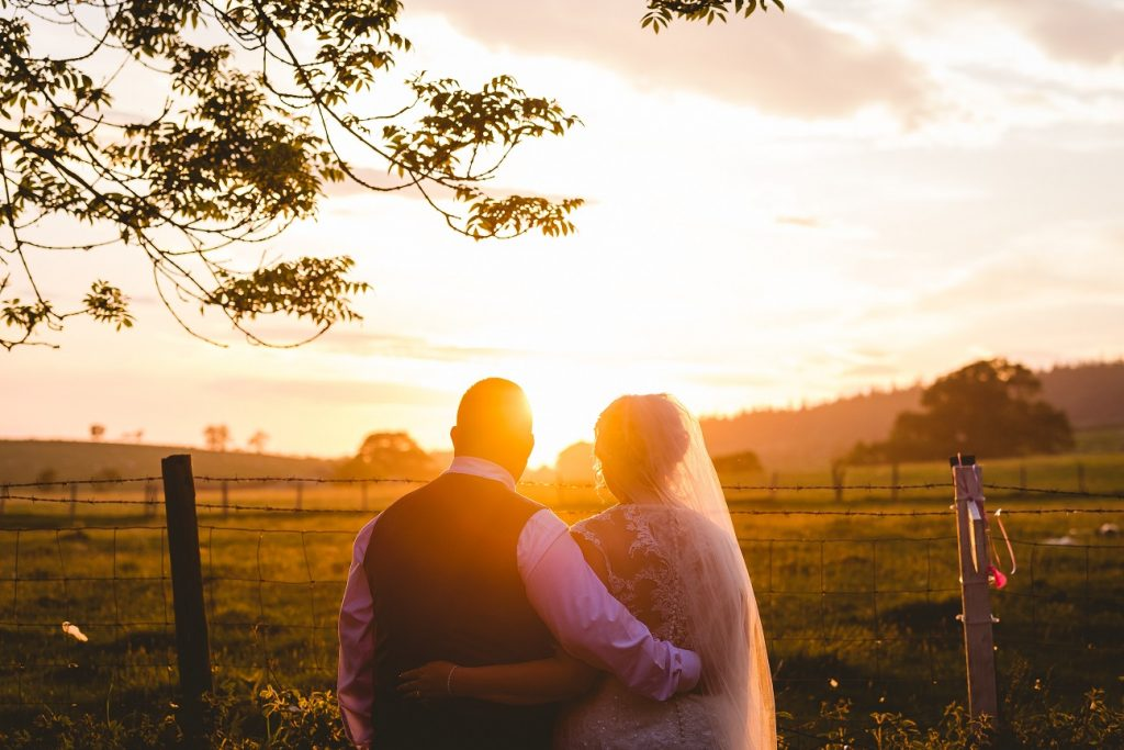 Sunset photography on your wedding day