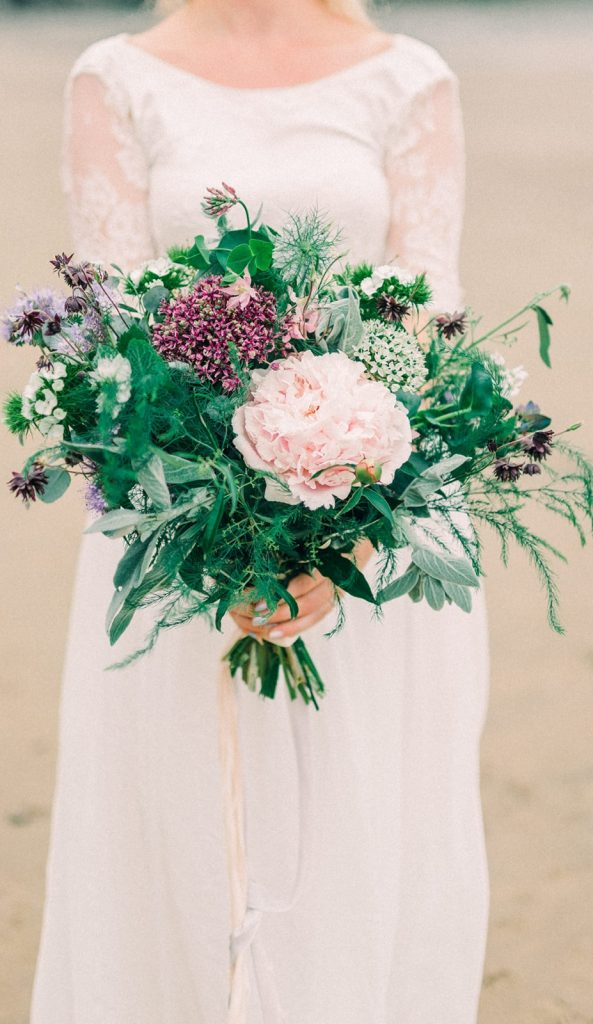 Wedding flowers inspiration by Styling Farm