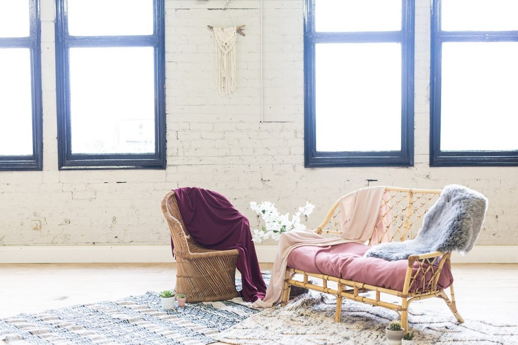 Relaxed and bohemian wedding seating area ideas