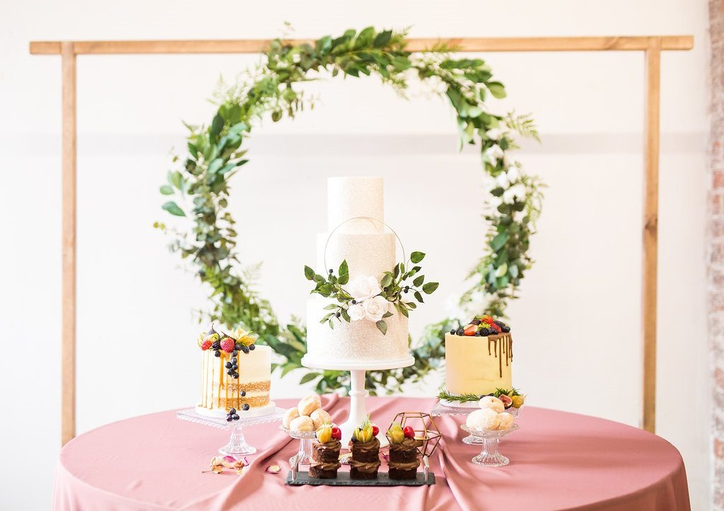 Wedding cake ideas by Where the Ribbon Ends
